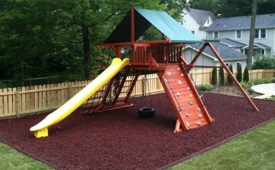 playset-in-mulch