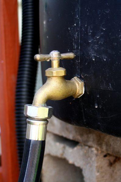 rain-barrel-spigot